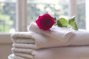 איך לנקות חדר רחצה